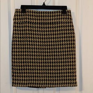 The Limited houndstooth pencil skirt sz 2